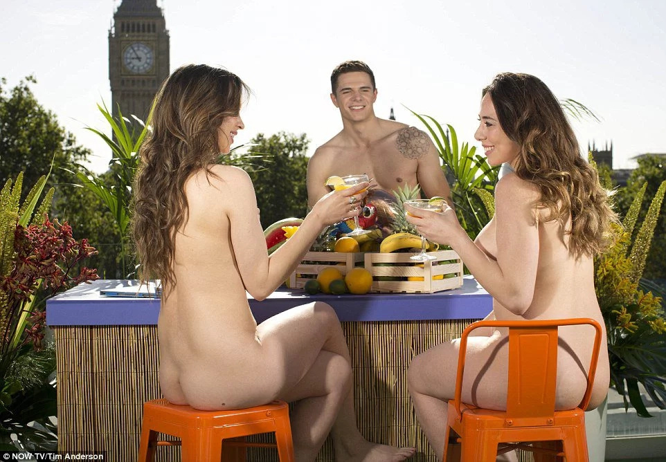 Sun terrace for nudist is opened in London, and it's incredible!