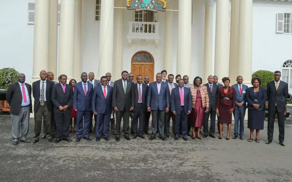 Uhuru announces multi-billion shilling project in western Kenya