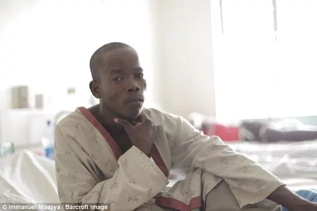 """Mwanaume aliyekuwa na """"Mayai"""" makubwa ulimwenguni hatimaye anaweza ishi maisha ya kawaida"""