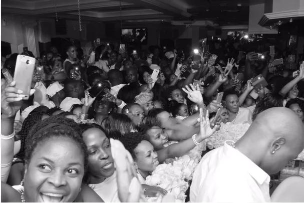 Mashabiki wa Zari Hassan wajaa katika hafla yake ya 'All White Party' Uganda