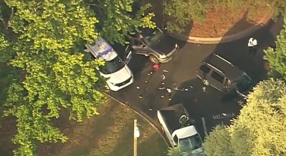 Policía mata a hombre negro discapacitado en su auto