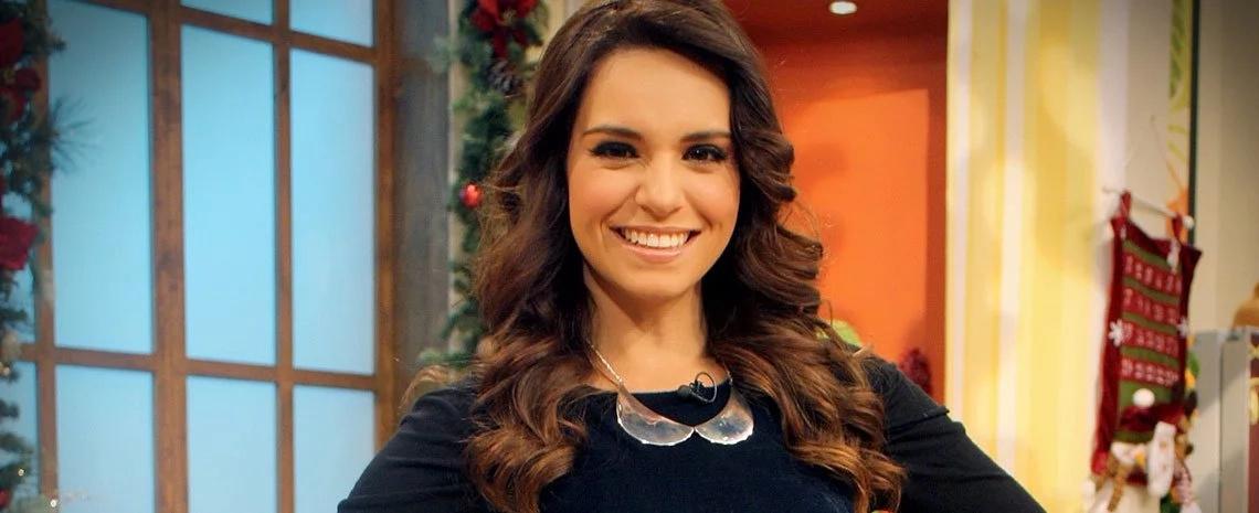 Terrible caída en vivo de Tania Rincón en el programa Venga La Alegría