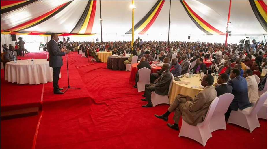 Battle for cash? Kamba leaders fight in front of Uhuru at State House
