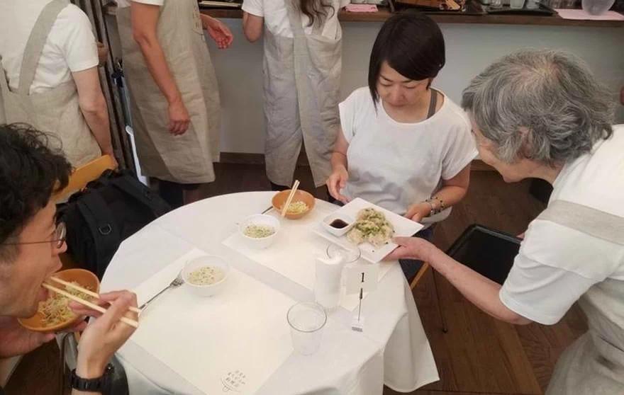 """The Restaurant of Order Mistakes"": Resto hires waiters who are Dementia patients. You never know what you're getting right when it's served to you!"