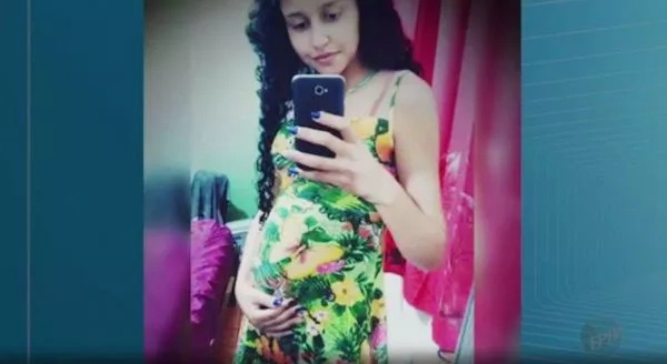 Woman 'Stabbed Pregnant Teenager to Death' and 'Stole Her Unborn Baby' (Photos)