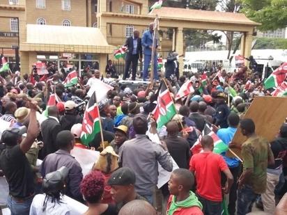 Sherehe baada ya uamuzi wa Mahakama ya Juu Zaidi zashuhudiwa katika ngome za Uhuru Kenyatta