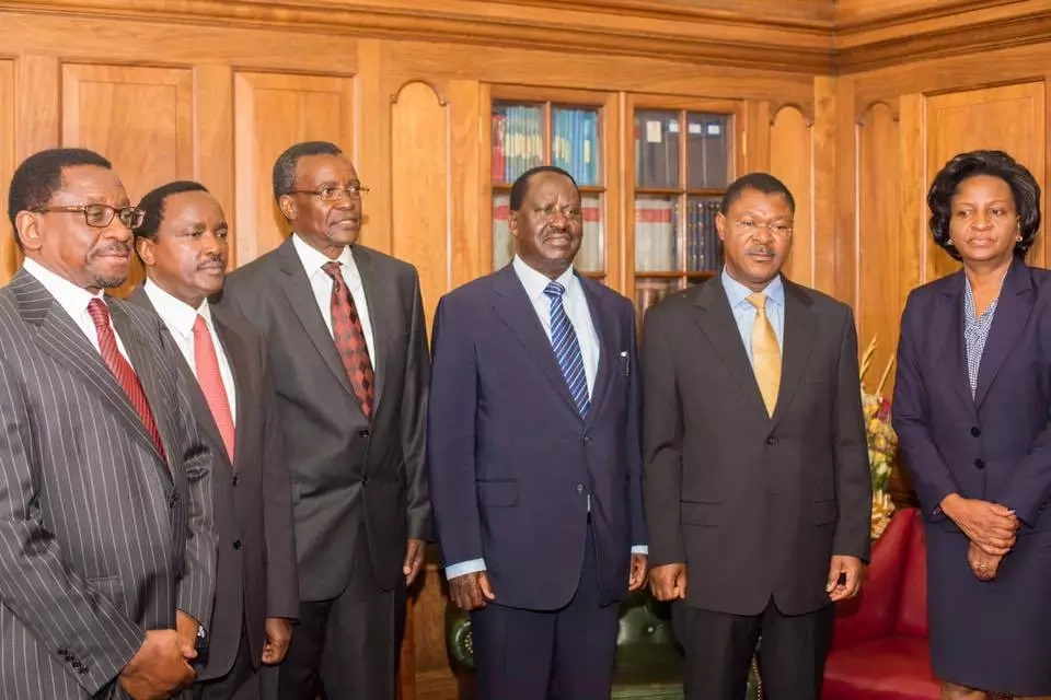 Chief Justice David Maraga hold meeting with Raila ahead of 2017