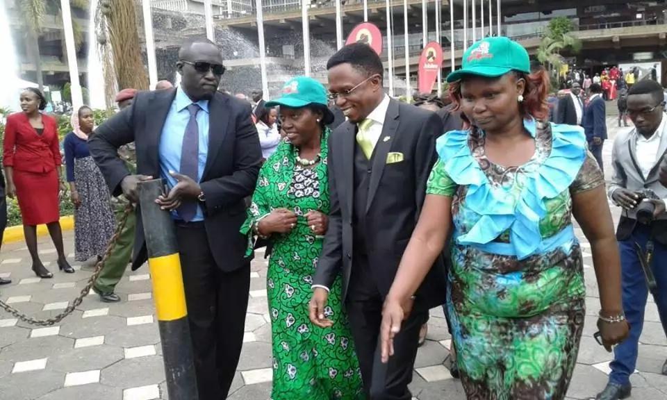 Ababu Namwamba's priceless reaction after meeting Martha Karua at Uhuru's rally