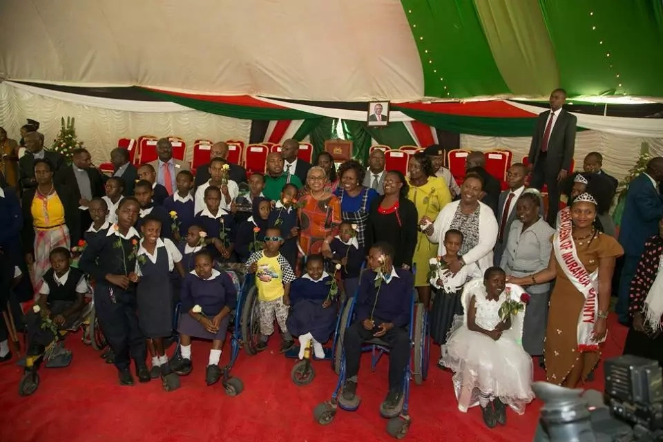 First lady visits physically challenged kids and makes their day (photos)