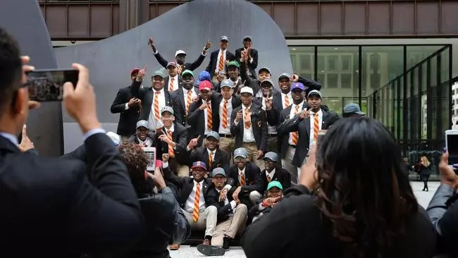 YES, we can! This Chicago school is sending its entire graduating class to college for EIGHTH year straight (photos)