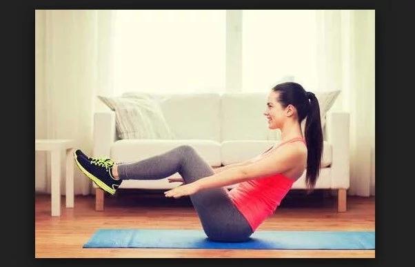 Haciendo estos 5 ejercicios en casa esa grasa abdominal será cosa del pasado