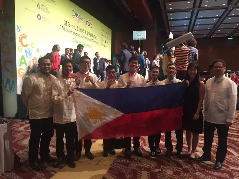 Filipinos bag gold from international Math competition