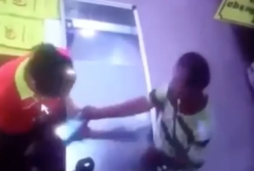 Man caught on video stealing money from cashier in Divisoria