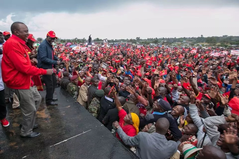 Uhuru leads jubilee in claiming the judiciary is in bed with Raila and NASA
