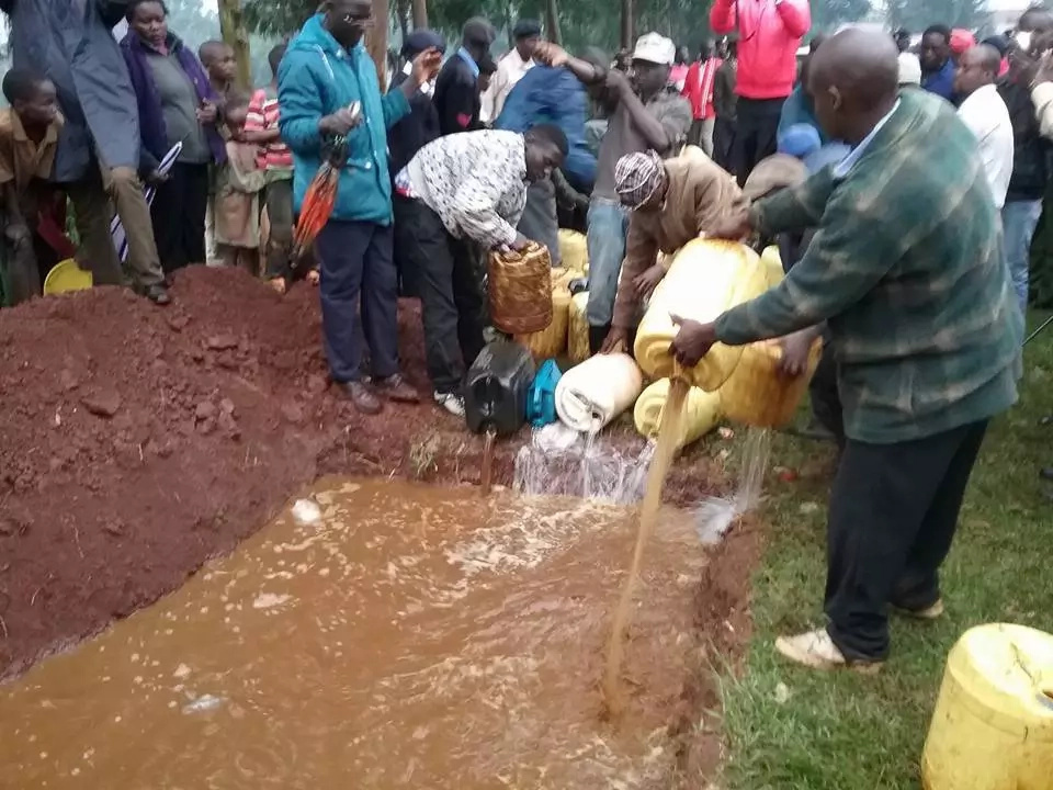 Interior PS Karanja Kibicho leads destruction of illicit brew in Kisii