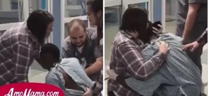 Cuando ella visitó a un hombre herido en un accidente de tránsito, él se arrodilló para hacer una pregunta importante