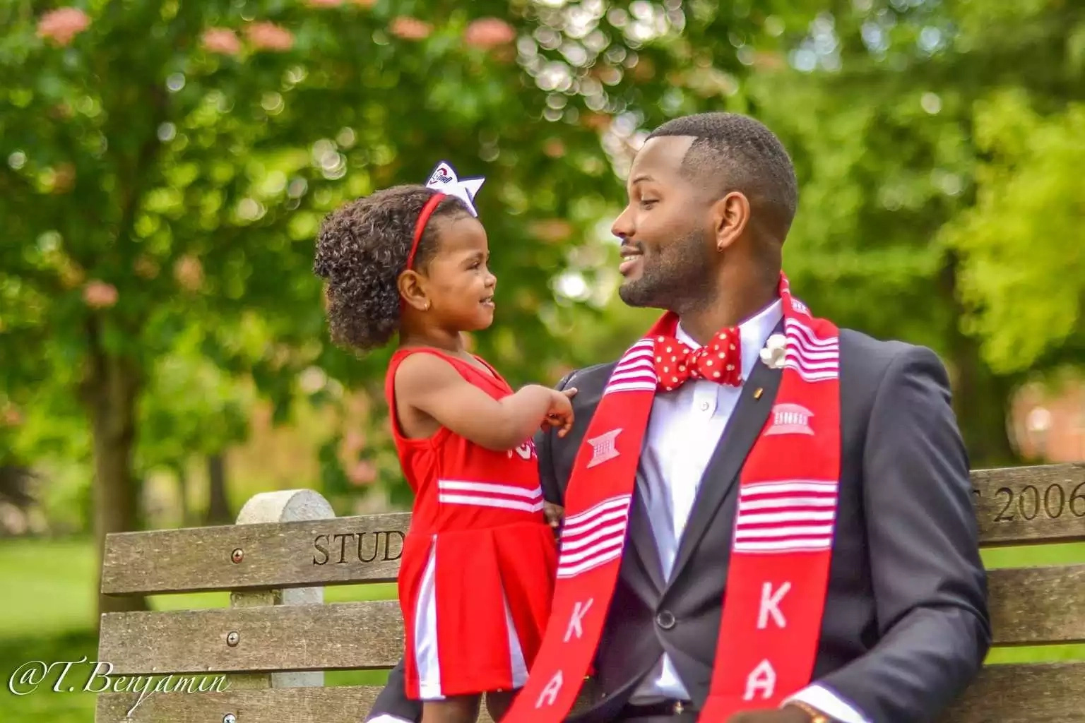 The story behind this adorable father-daughter photoshoot will warm your heart