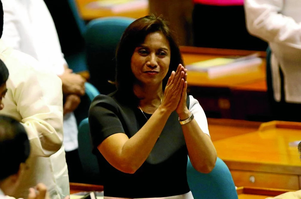 Robredo delights supporters with 'laing'