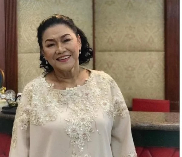 Tinumba ni Manay! Lolit Solis confirms that John Lloyd gave Ellen Adarna an engagement ring worth 3M pesos