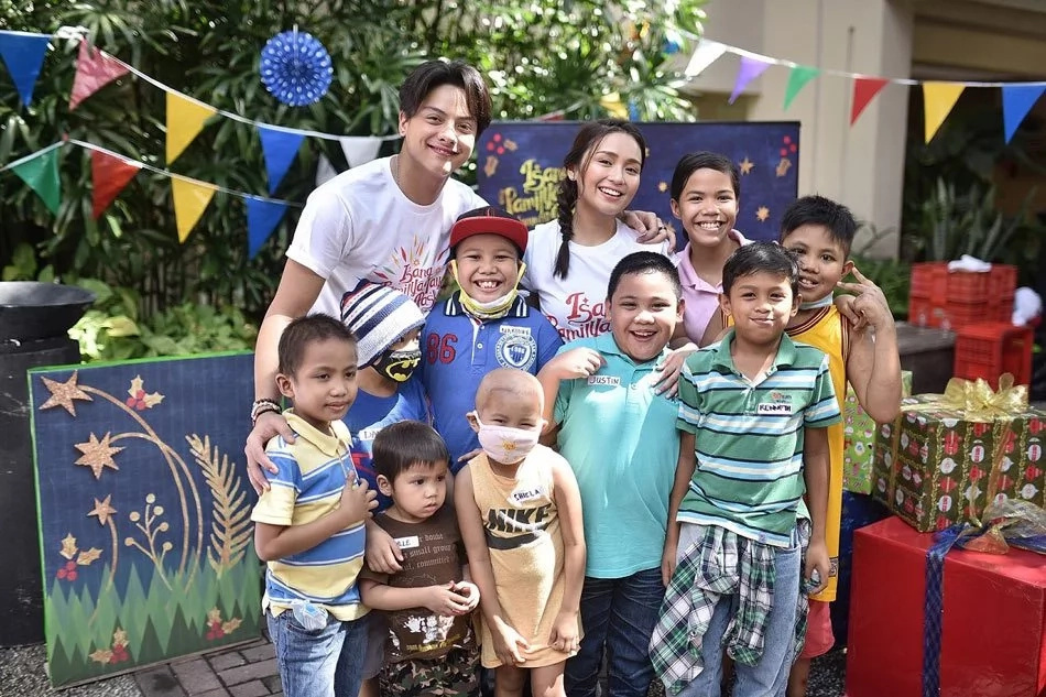 Kapamilya stars join ABS-CBN 2016 station ID