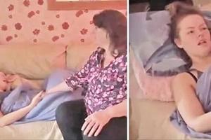 Joven se duerme en el sofá y su madre no la puede despertar por 6 meses, ¡Cuidado Mamás!