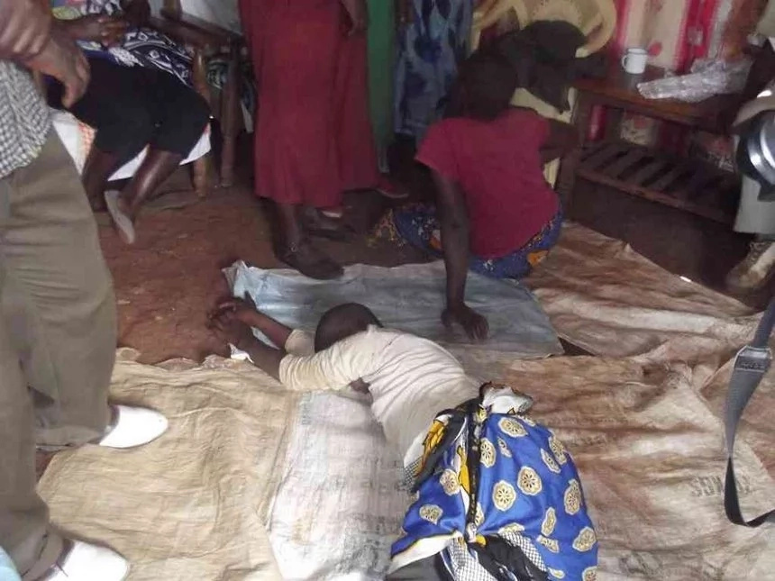 Muran'ga family seeks help for sisters behaving like snakes