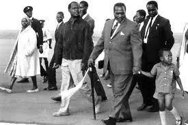 Siku babake Uhuru Kenyatta alipojiaibisha mbele ya wageni
