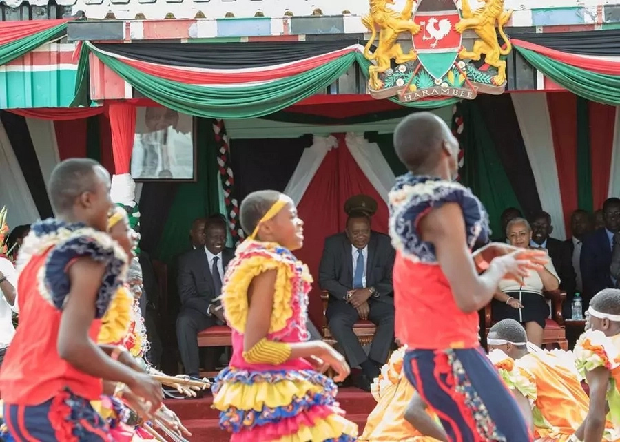 Uhuru launches ambitious KSH 4billion health insurance cover for high school students