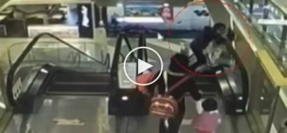 Matinding aksidente! Chinese grandmother accidentally drops helpless baby from escalator