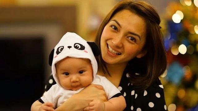 Iya Villania breastfeeds Baby Antonio