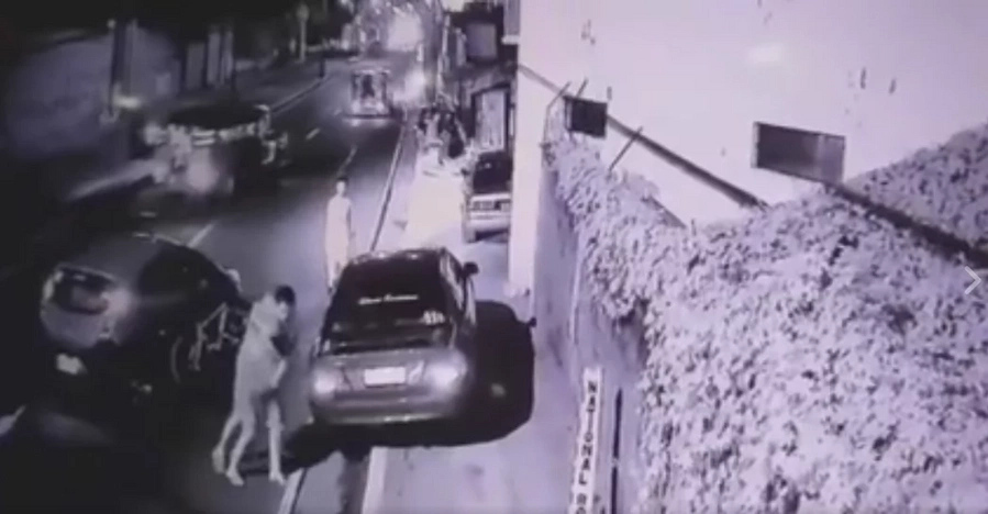 Man shot dead after fighting against armed driver