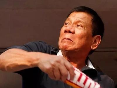 Palaban si Digong! Daring Duterte challenges his fierce detractors to depose him