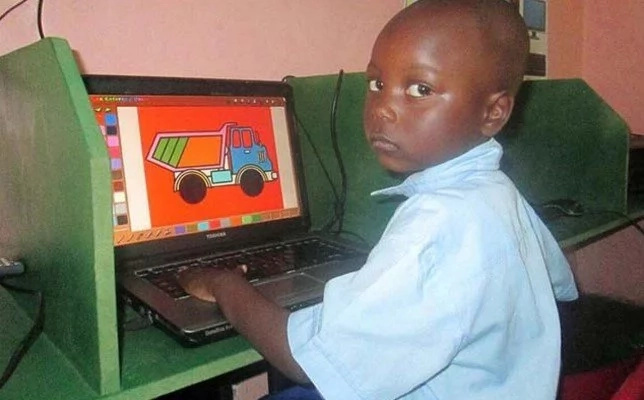 Meet 5-year-old GENIUS who can outdo any adult teacher in computer skills (photos)