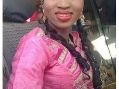 Slayqueen ashurutishwa kwa kuchafua kikombe kwa alama za lipstick