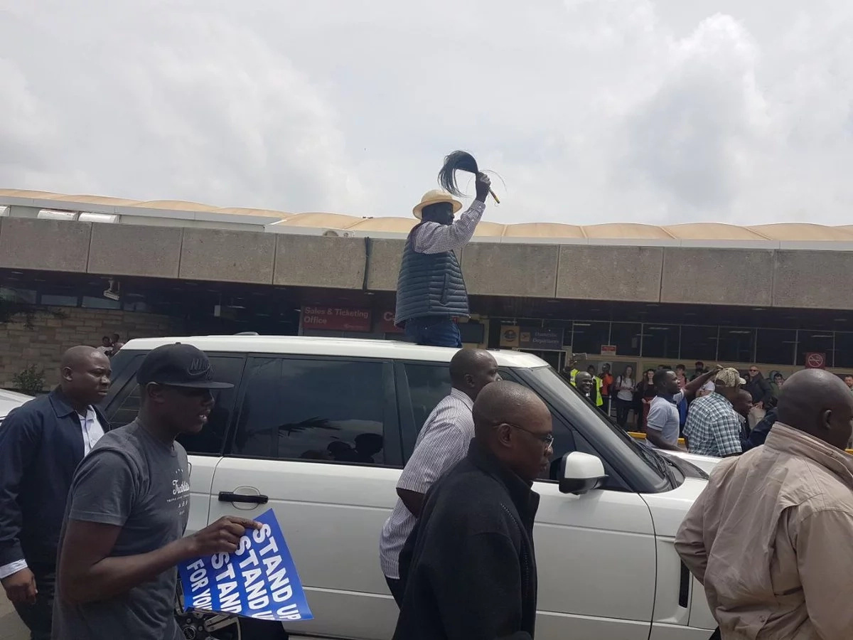 Opposition chief lands at JKIA amid heavy chaos