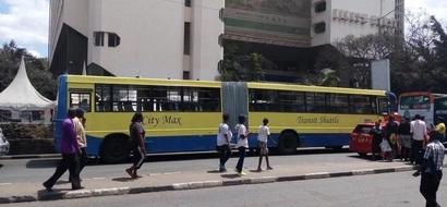 Huge bus causes a stir in Nairobi(Photos)