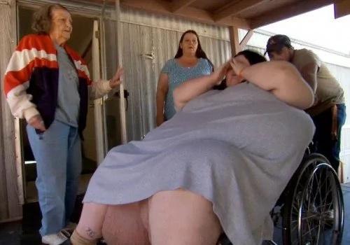 Mujer de 272 kilos tuvo un hijo de 18 kilos