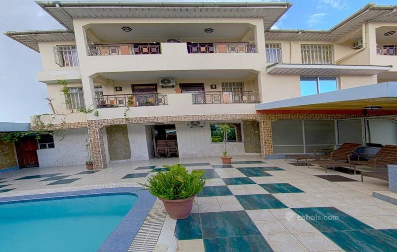 Royal city hotel kisumu review a pearl along the shores of lake victoria for Hotels in kisumu with swimming pools