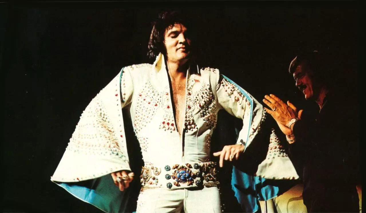 Long Live the King! Could this video be proof that Elvis is still among the living?