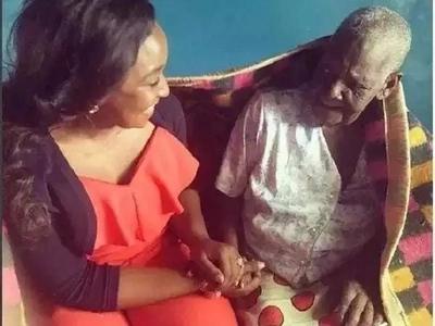 Betty Kyallo amuaga BURIANI jamaa wake wa karibu (picha)