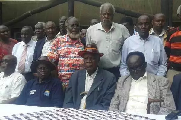 Elders from Rift Valley back Raila for president