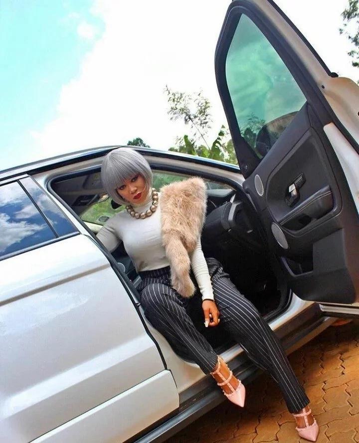 Vera Sidika awaonyesha KIVUMBI wanaume. Tazama alichokifanya!