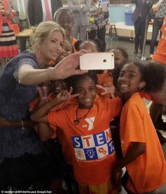 She took selfies with the kids. Photo: Twitter/White House