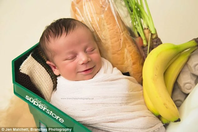 Mother didn't know she was pregnant, 'til the very moment she finally delivered! She was doing groceries, next thing she knew a baby was coming out!