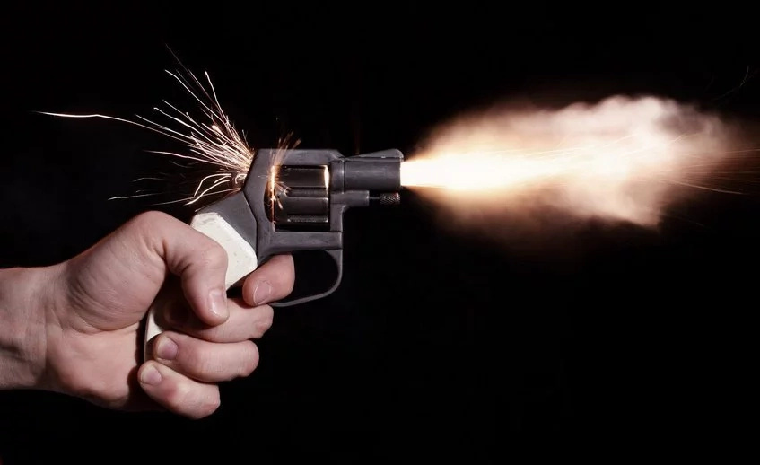 NASA candidate shoots self with pistol