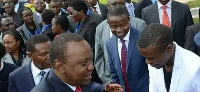 """Mcheshi Chipukeezy pia """"ametoa TINT""""? Zitazame picha za kuchekesha"""