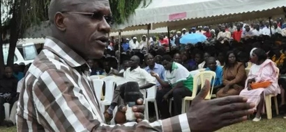 Boni Khalwale survives crowd attack in Bungoma (Video)
