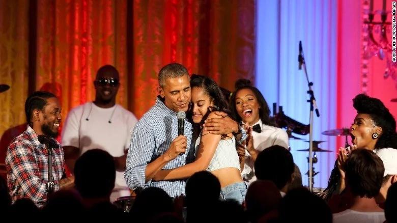 Obama's daughter celebrates graduation in Amsterdam