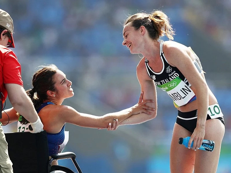 US and New Zealand runners showed real Olympic spirit!