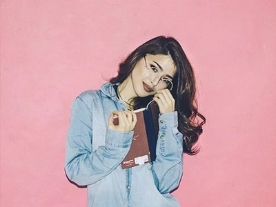 Why book lovers should follow Kylie Padilla on Instagram